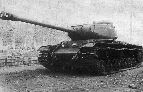 http://www.aviarmor.net/tww2/photo/ussr/kv122/kv122_2.jpg